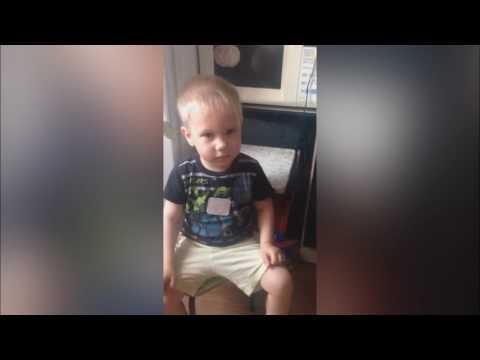 Реакция маленького мальчика на песню своей мамы Пропала собака