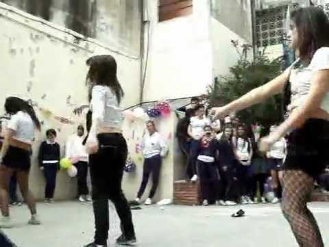 Coreografia De Don Omar Blue Zone video