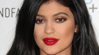 Kylie Jenner's 21st Birthday Continues! | Hollywire