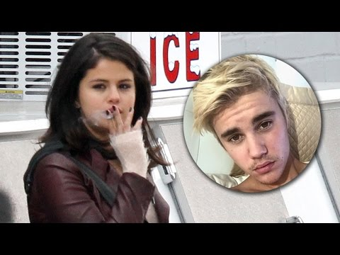 Justin Bieber escribe canción para Selena y ella...fumando!