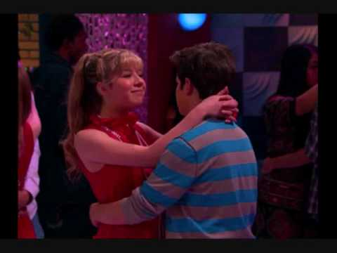 "*FIXED* Pics from ""iTwins,"" (Season 2 iCarly episode)"