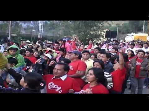 BANDA   ORQUESTA   SHOW FILARMONICA LLIPA  ENTRANDO ALA PLAZA DE  ARMAS DE HUAYLAS  ANCASH 2012