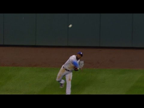Puig makes a great throw to get Story