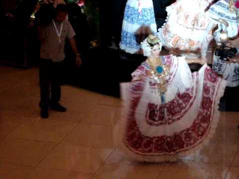 50 Coronas con Tradicion y Folcklore - S.R.M. Diana Patricia Broce