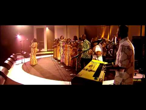 Evelyn Amo - Praise Medley - Ghana Community Choir