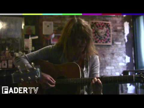 "Vashti Bunyan, ""Train Song"" Live at Open Bar"