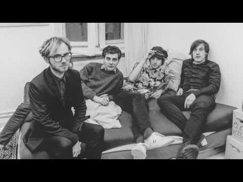 Isolation Berlin - Electronic love affair (radioeins Rock'n'Roll Radio Session)