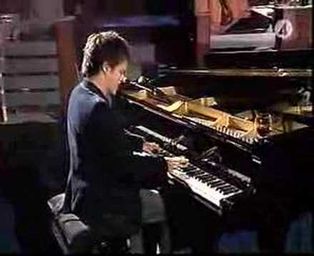 Jamie Cullum - What A Difference A Day Makes