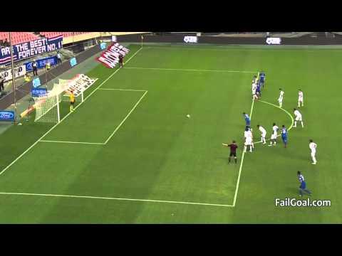 Tim Cahill first Goal Shanghai Shenhua 2-0 Hangzhou Greentown (4/25/2015)