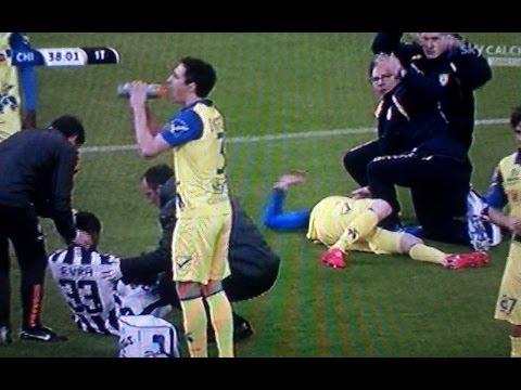 Juventus Chievo 2 0 - Frey Bruttissima ferita alla testa dopo scontro con Evra