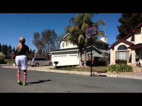 Hoopin outside :):) #22 (Deer Valley Highschool. Antioch, Ca)
