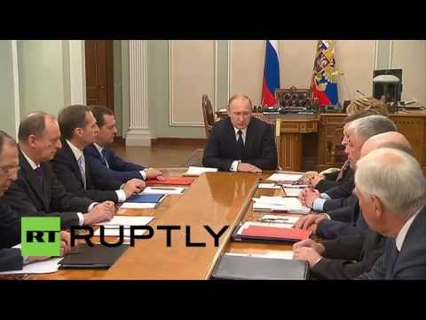 Russia: Putin writes to Poroshenko to remove artillery from civilian areas