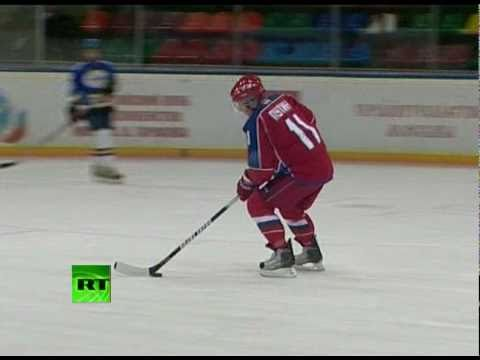 Putin put on ice: PM slips on skates for hockey training