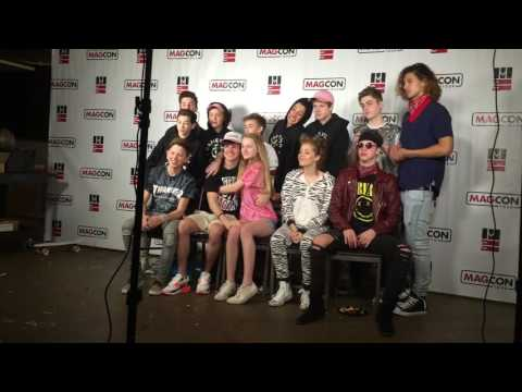 magcon family photo op experience💯