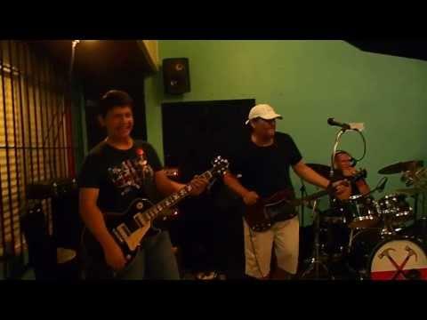 Zaz Battle of the Guitars