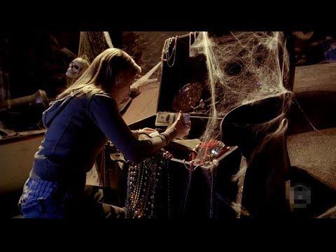 【宇哥】遊樂場裏暗藏玄機,女子從鬼屋中找到350萬美金,發了!…《噩夢工廠:第5塊拼圖》