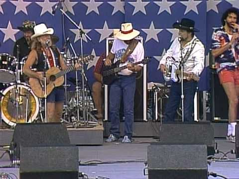 Willie Nelson&Waylon Jennings - I Can Get Off On You (Live at Farm Aid 1986)