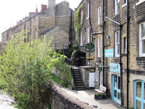 "Our video is a guided walk around Holmfirth, ""Last of the Summer Wine"" country in West Yorkshire. We start our walk from the centre of Holmfirth and head for..."