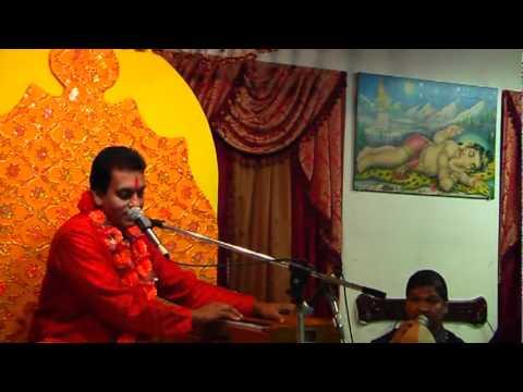 Hanuman Bhajan - Duniya Me Dev by Pundit Munelal Maharaj