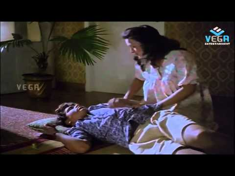 Silk Smitha Seduces Hero video