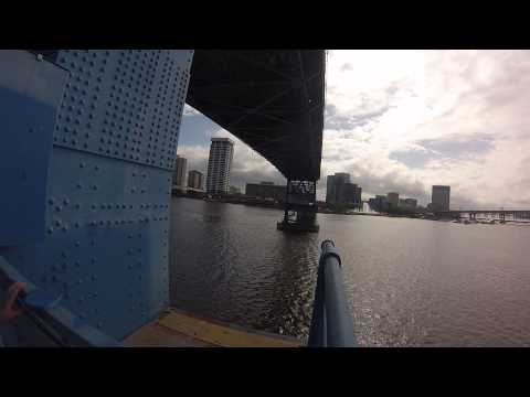 BIKE CAM  MAIN STREET BRIDGE GOES UP FOR A SMALL SAILBOAT  JACKSONVILLE FL  GO PRO