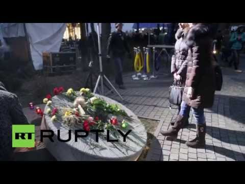 Ukraine: Poroshenko and Klitschko attend 1932-33 famine anniversary procession