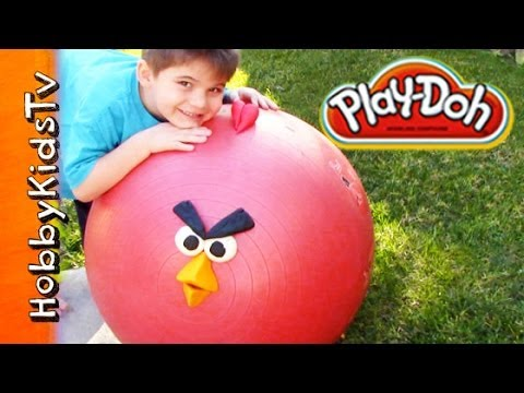 Play-doh Surprise Giant Egg Angry Bird - Super Heroes, Spongebob - Squinkies video