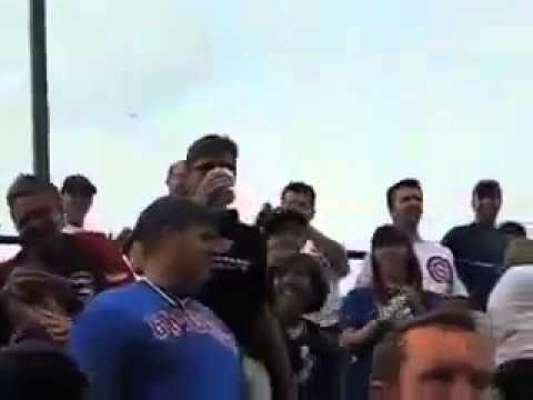 Классный способ поймать бейсбольный мяч, благодаря бокалу с пивом
