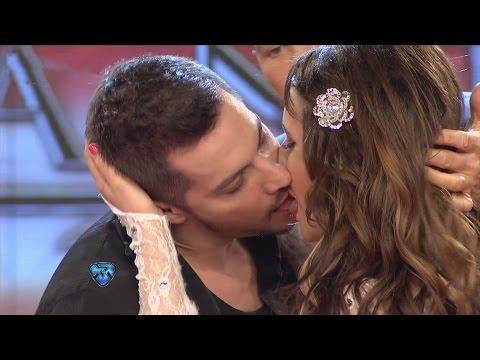 Francisco y Charlotte se dieron tremendo beso frente a Barby Silenzi