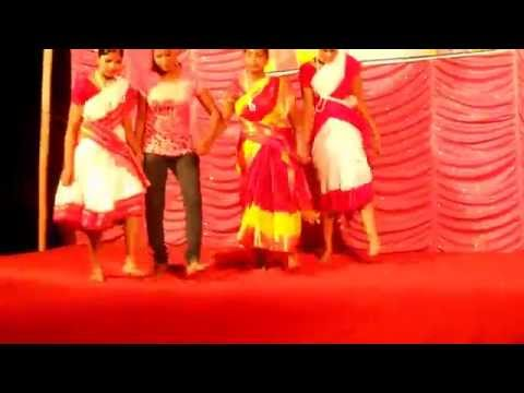 Malda  Adivasi  Girl Dancing video