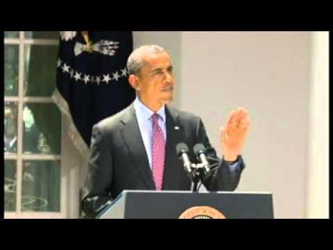 Obama regaña a un periodista que lo interrumpe en un discurso.wmv