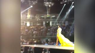 CLOSE-UP: MISS VIETNAM H'HEN NIE CATWALK SUPREMELY IN HER YELLOW EVENING GOWN
