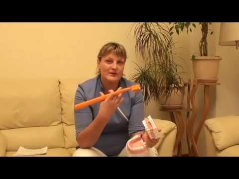 Видео как правильно чистить зубы