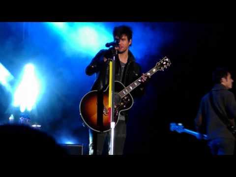 """Boys Like Girls - """"Thunder"""" (Live)"""