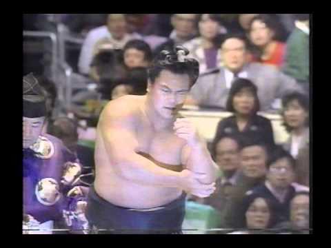 千代の富士肩脱臼しながらも優勝~感動の表彰式まで