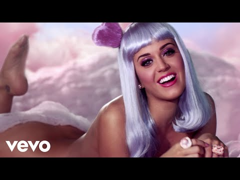 Katy Perry - California Gurls Ft. Snoop Dogg video