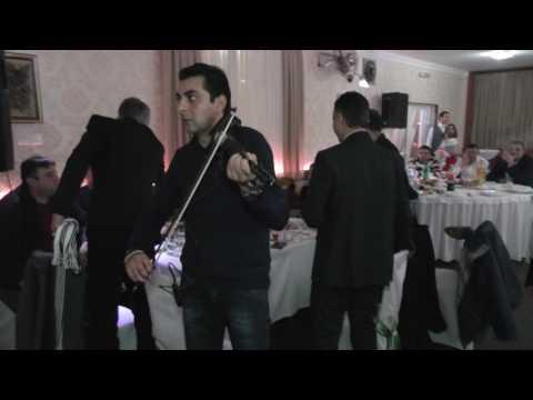 Aca Cergar Poklanja Kodicu Harmoniku- Studio Toma I Nesa