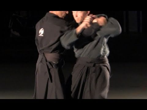 Oni Kudaki, shoulder arm-lock, basic - Ninjutsu technique for Akban wiki Image 1