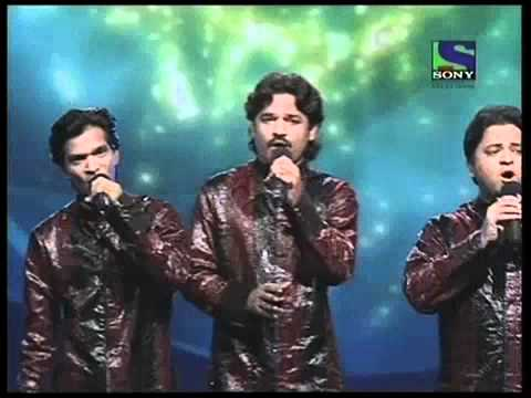 X Factor India - Deewana Group tunefully sings Aas Paas Hai...
