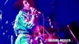 Watch Selena Acuerdate De Mi video