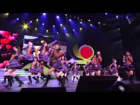 """""""เบิร์ด ธงไชย"""" โชว์งาน ASEAN-JAPAN MUSIC FESTIVAL"""