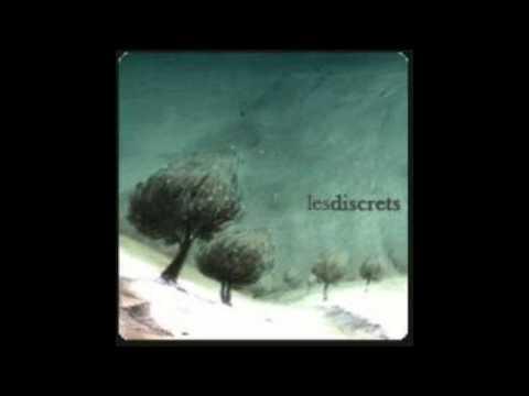 Les Discrets - Penses Sous Les Nuages