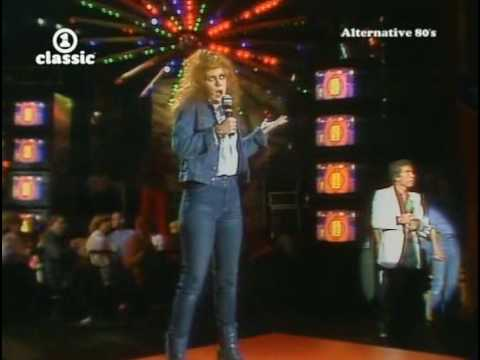 Kirsty MacColl - Theres A Guy (W.D.T.C.S.S.H.E.)