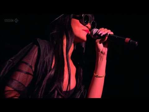 Jay-Z feat Rihanna - Run This Town (Live at Hackney 23.06.2012) HD