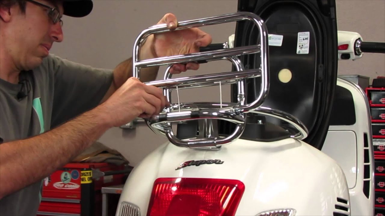 how to install a topcase on a vespa gts youtube. Black Bedroom Furniture Sets. Home Design Ideas