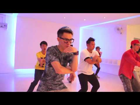 Chris Brown Yeah 3x  Feat.  Mustang Dance Crew video