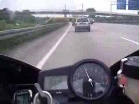 Yamaha R1 Turbo 300 kmh(otobanda ölümüne) Video