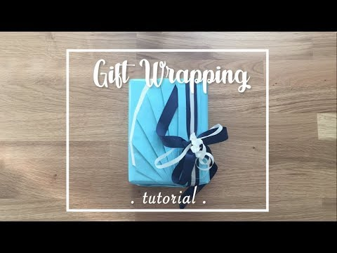 Crafty Mami - Japanese Fan Wrapping Gift Tutorial