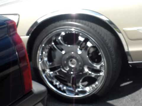 "GRAND MARQUIS ON 22"" RIMS"