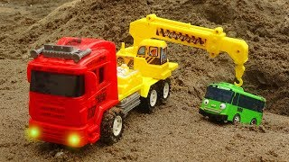 Construction Vehicles, Crane truck do rescue work - Toys for kids B1179P